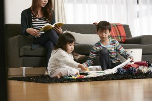 不想再怒吼式教育?4個讓爸媽空出手的寶寶遊戲!